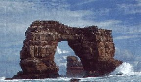 Ecuador: Galapagos - Arch in the sea